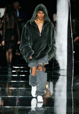 fenty-puma-by-rihanna-aw16-collection-5-550x800 (1)